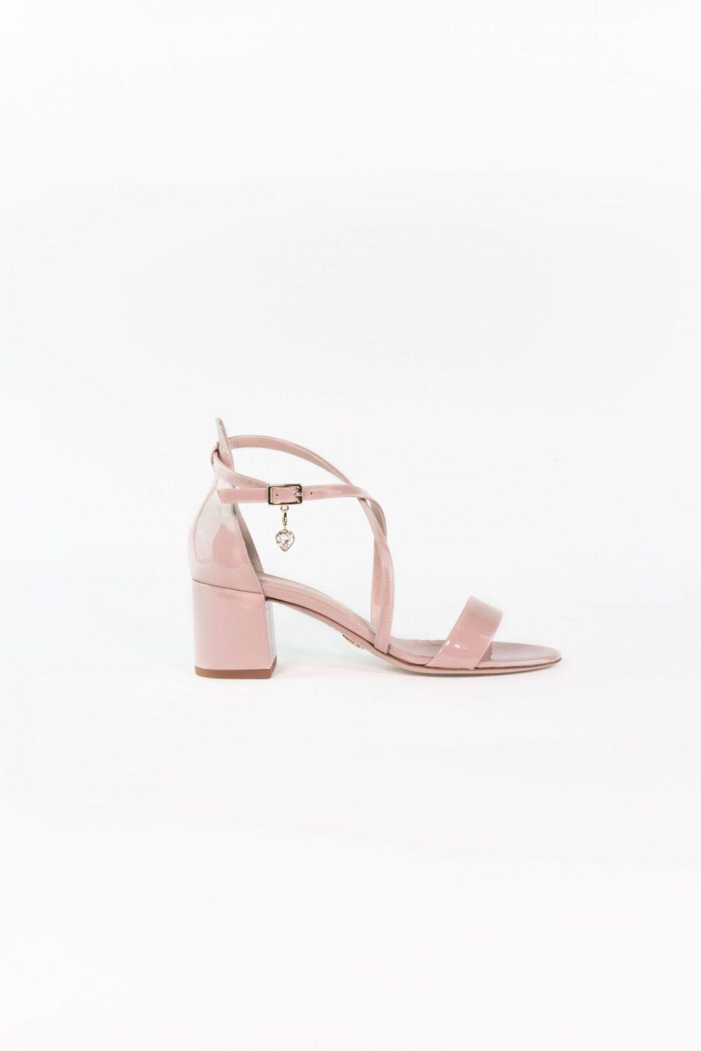 designer hochzeitsschuh lackleder rose charm emilia