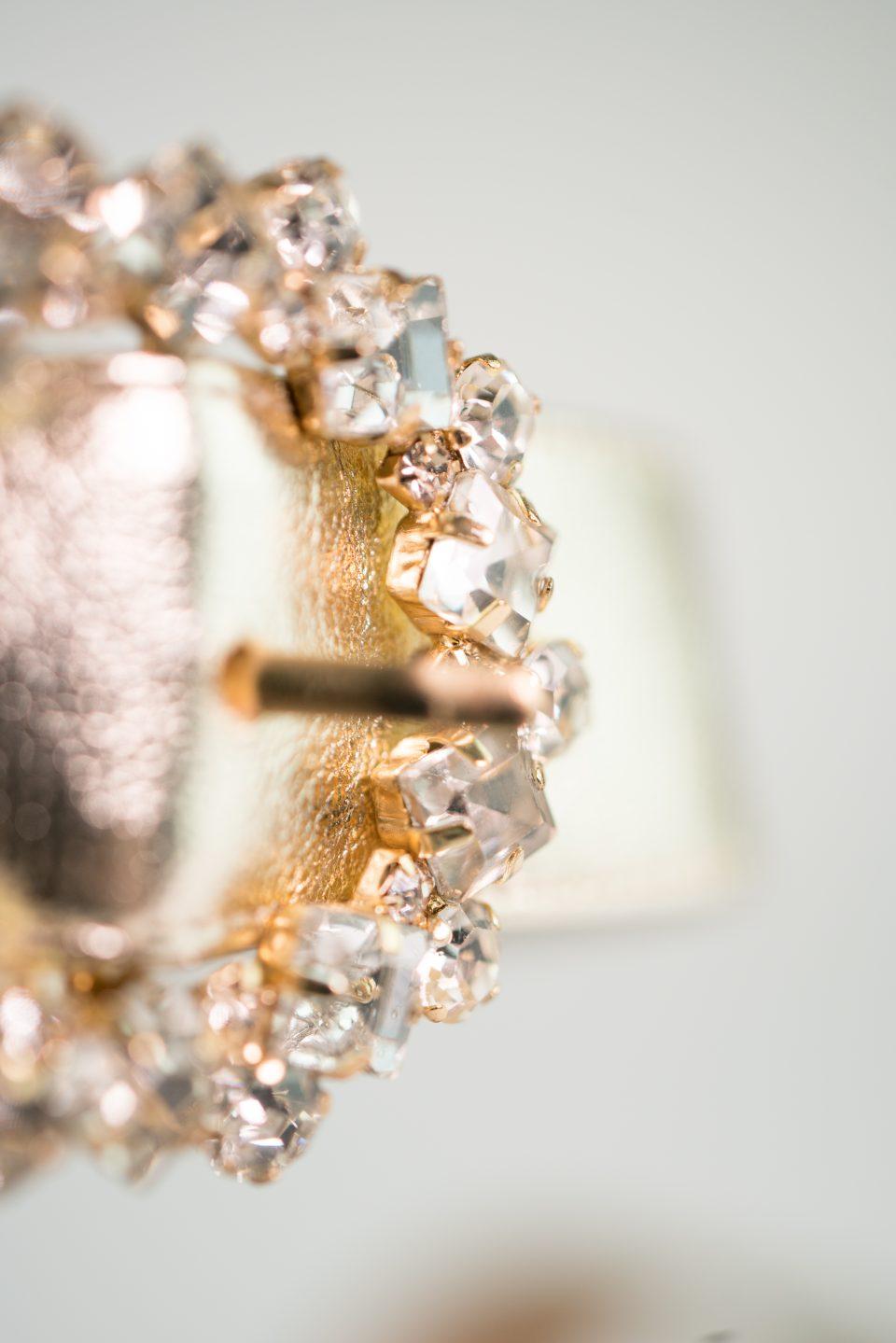 glitzer abendschuh gold metallic closeup clara